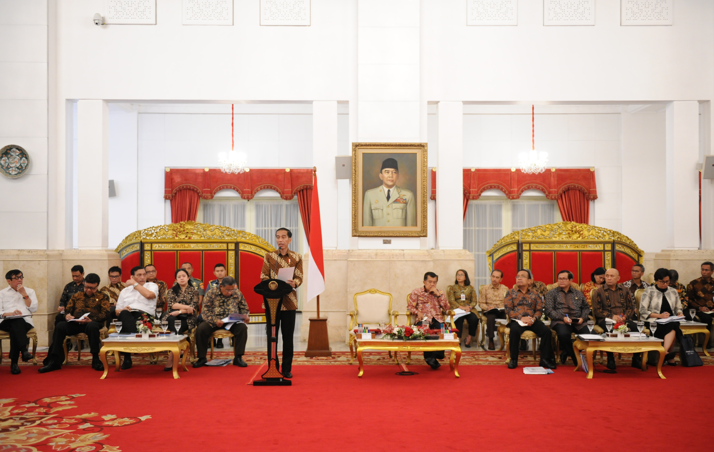 President Jokowi delivers an introductory remarks in a Plenary Cabinet Meeting on Wednesday (15/3), at the State Palace, Jakarta