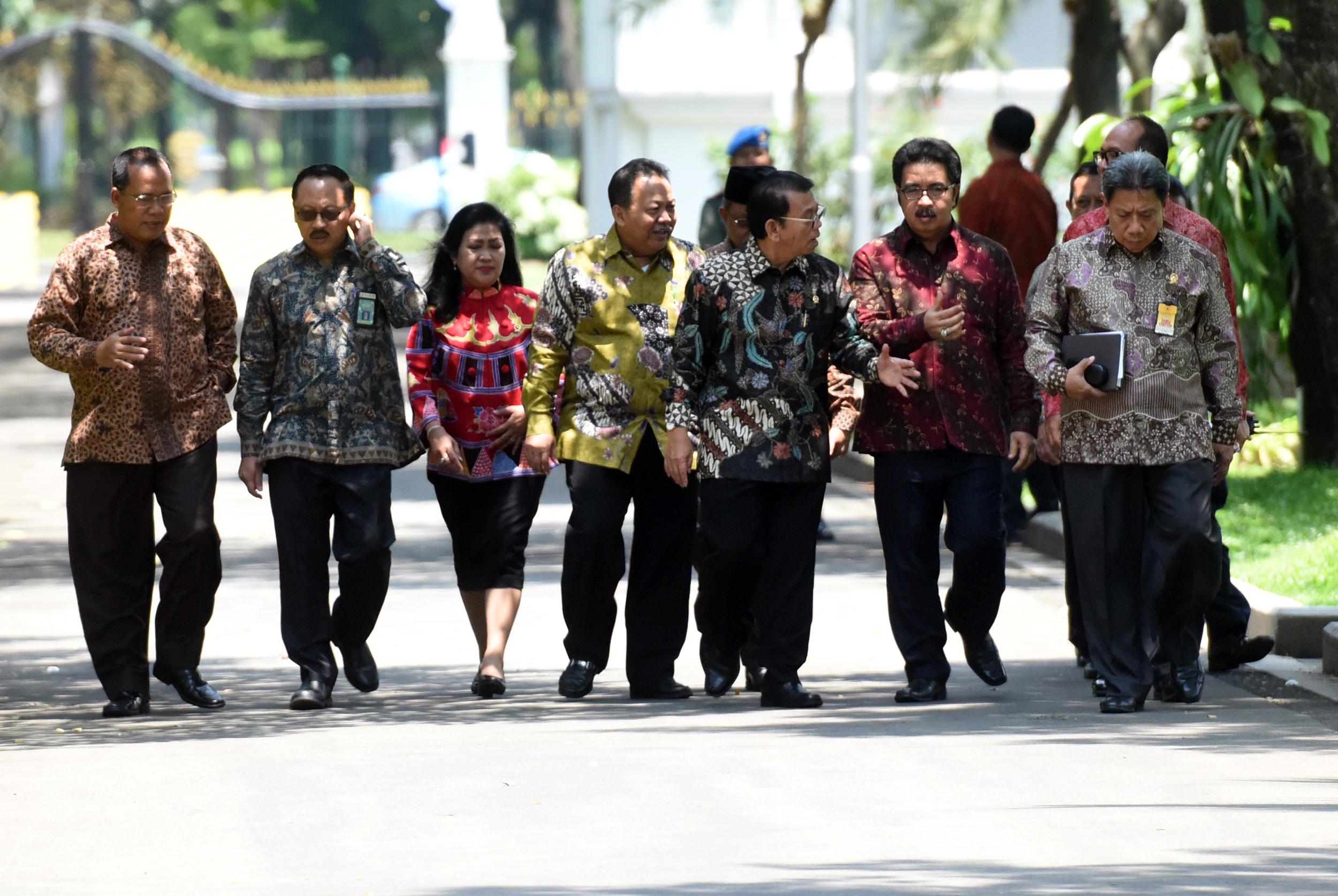 Jajaran Pengurus Pusat IKAHI yang diterima oleh Presiden Joko Widodo (Jokowi), di Istana Merdeka, Jakarta, Senin (27/3) siang. (Foto: Humas/Rahmat)