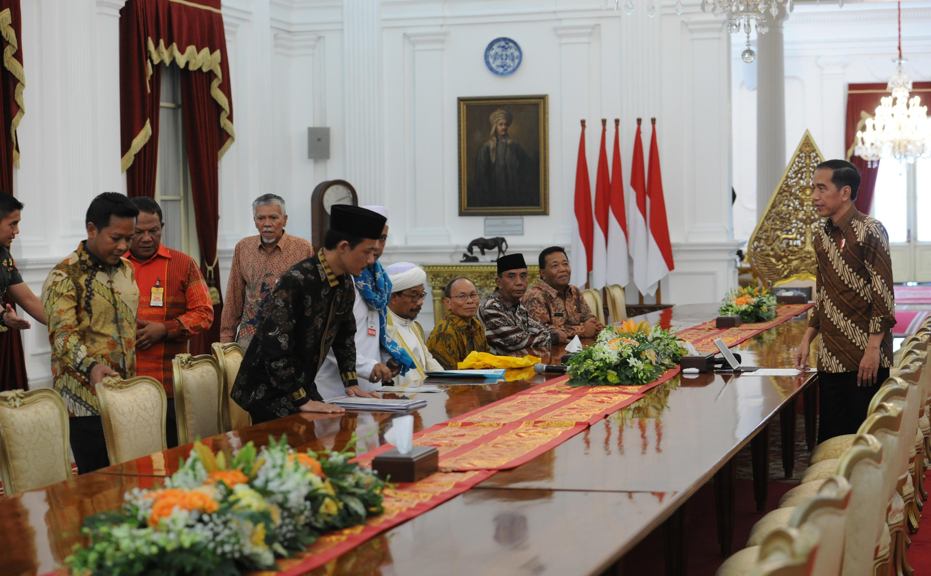 Presiden Jokowi saat menerima rombongan pengurus JBMI, di Istana Merdeka, Jakarta, Rabu (15/9) siang. (Foto: JAY/Humas)