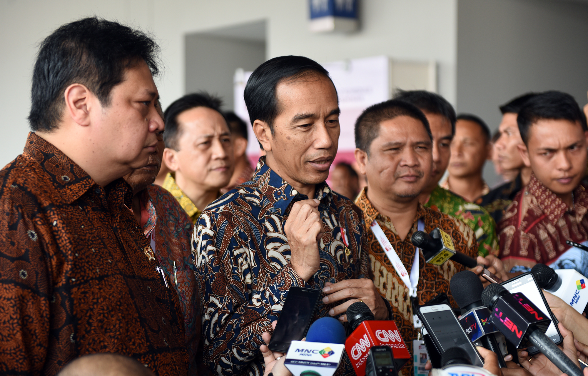 President Jokowi answers the journalists' questions after visiting IFEX 2017, at JI Expo Kemayoran, Jakarta, on Saturday (11/3) morning (Photo: PR/Anggun)