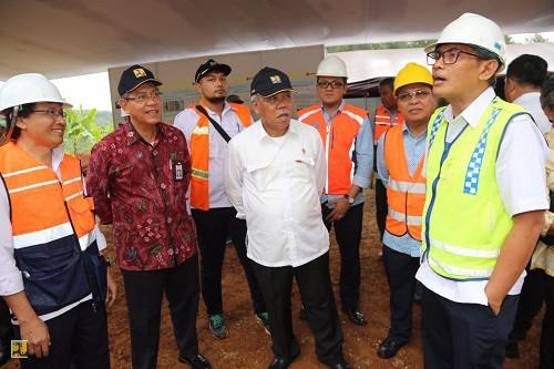 Menteri PUPR Basuki Hadimuljono saat meninjau rehabilitasi Jembatan Cisomang, beberapa waktu lalu