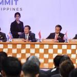 Presiden Jokowi saat mengikuti rangkaian KTT ke-30 ASEAN di Manila, Filipina, Sabtu (29/4). (Foto: BPMI).