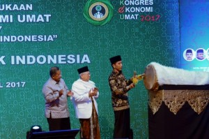 President Jokowi opens the 2017 People's Economic Congress at Grand Sahid Jaya Hotel, on Saturday (22/4)