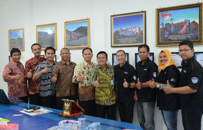 Tim Kunjungan Kehumasan Setkab saat diterima jajaran Redaksi Radar Tarakan di Tarakan, Kalimantan Utara, Rabu (12/4). (Foto: Humas/Jay)