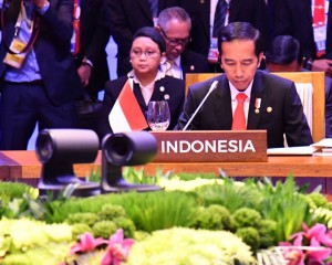 Presiden Jokowi saat berbicara di Forum KTT ke-30 ASEAN di Manila, Filipina, Sabtu (29/4).