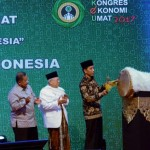 Presiden Jokowi saat membuka Kongres Ekonomi Umat Tahun 2017 di Hotel Grand Sahid Jaya, Jakarta, Sabtu (22/4). (Foto: Humas/Oji)