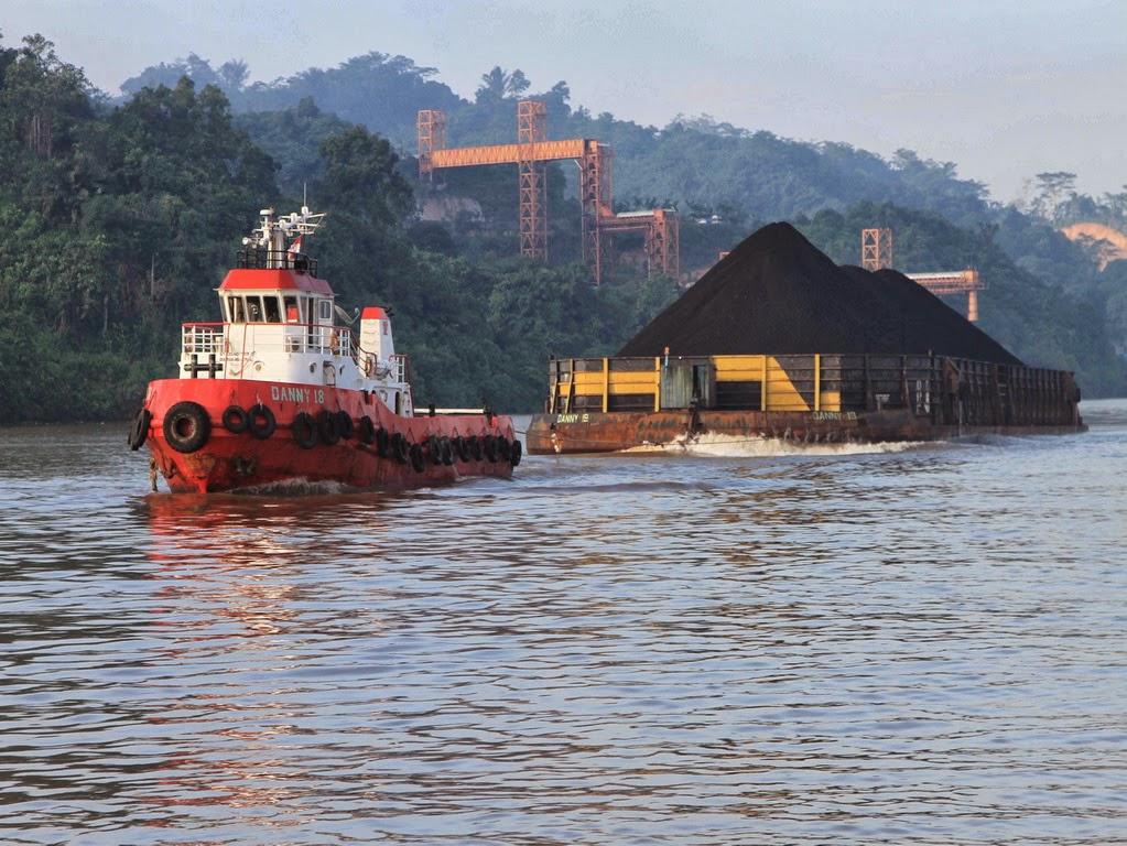 kapal pengangkut batubara