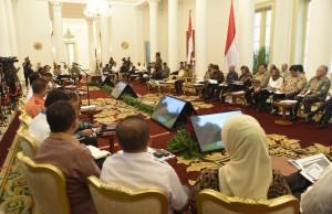 Suasana sidang kabinet paripurna di Istana Kepresidenan, Bogor, Jawa Barat, Senin (29/5) sore. (Foto: Humas/Rahmat)