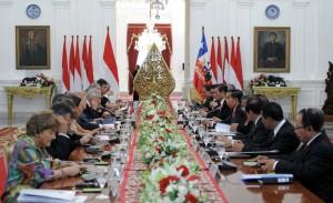 Suasa pertemuan bilateral Republik Indonesia dan Chile di Istana Merdeka, Jakarta, Jumat (12/5). (Foto: Humas/Jay)