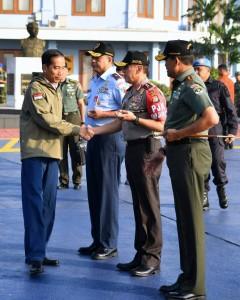 Presiden Jokowi dengan menggunakan Pesawat Kepresidenan RJ-85 bertolak ke Kabupaten Natuna, Provinsi Kepulauan Riau, Jumat (19/9). (Foto: BPMI)