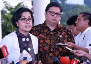 Menkeu menjawab pertanyaan wartawan usai Rapat Terbatas, di Istana Bogor, Jabar, Senin (22/5). (Foto: Humas/Agung)