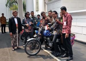 Pegiat Literasi yang hadir di Istana Negara, Jakarta untuk bertemu Presiden Jokowi, Selasa (2/5).