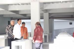 Presiden Jokowi saat melakukan kunjungan kerja di Papua. (Foto: Humas/Anggun).