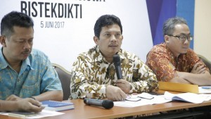 Director General for Science, Technology and Higher Education at the Ministry of Research, Technology, and Higher Education Ali Ghufron Mukti delivers a statement to the reporters on Monday (5/6), in Jakarta