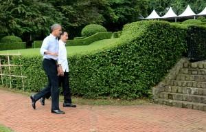Presiden Jokowi menerima Presiden ke-44 Amerika Serikat, Barrack Obama di Istana Kepresidenan Bogor, Jawa Barat, Jumat (30/6). (Foto: Humas/Oji).