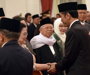 Presiden Jokowi saat pelantikan Pengarah dan Kepala UKP PIP di Istana Negara. (Foto: Humas/Rahmat)