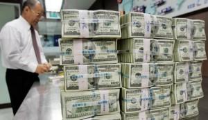 tumpukan-dollar