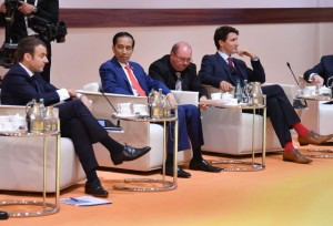 Presiden Jokowi saat ikuti Retreat sesi 1 di Hamburg, Jerman, Jumat (7/7).