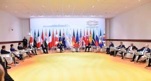 Presiden Jokowi saat menghadiri sesi 1 KTT G20 di Hamburg, Jerman, Jumat (7/7). (Foto: BPMI)