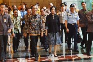 President Jokowi, accompanied by Finance Minister Sri Mulyani Indrawati and a number of high-ranking officials, visits the Indonesian Stock Exchange (IDX) on Tuesday (4/7)(Photo by: Agung/Public Relations Division)