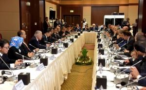 Presiden Jokowi didampingi sejumlah menteri Kabinet Kerja melakukan pertemuan dengan para pengusaha Turki, di Ankara, Turki, Kamis (6/7). (Foto: RAH/ES)