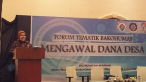Staf Ahli Mendes PDTT Bidang Hubungan Antar Lembaga Rosari Tyas Wardani, dalam acara Forum Bakohumas Kementerian Desa PDTT di Hotel Melia Purosani, Yogyakarta, Kamis (27/7). (Foto: Humas/Said)
