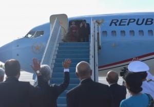 Presiden Jokowi dan Ibu Negara Iriana Jokowi ketika meninggalkan Ankara, Turki menuju Hamburg, Jerman, Kamis (