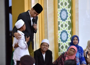 Presiden saat kunjungan ke pesantren di Jember, Sabtu (12/8). (Foto: Humas/Agung)