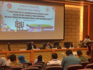 Director General for Information and Public Communication of the Ministry of Communication and Informatics Rosarita Niken Widiastuti gives her remarks at the Thematic Forum of the Government Public Relations Coordination Agency (Bakohumas), hosted by Secretariat General and Specialization Agency of the House of Representatives (DPR RI) in Jakarta, on Monday (28/8) (Photo by: Anggun/Public Relation Division s)