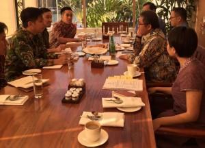 Menkominfo Rudiantara bertemu dengan perwakilan Facebook Asia Pasifik di Hotel Grand Hyatt, Jakarta, Rabu (2/8).