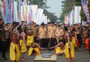 Presiden Jokowi menghadiri Peringatan Hari Pramuka ke-56 dan Peresmian Pembukaan RAIMUNA Nasional XI Tahun 2017, di Lapangan Utama Bumi Perkemahan Wiladatika Cibubur, Jakarta Timur, Senin (14/8) pagi. (Foto: JAY/Humas)