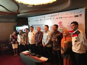 Kepala Staf Presiden Teten Masduki didampingi Menkominfo dan Kepala Bekraf pada konperensi pers mengenai Taste of Indonesia, di Hotel Grand Indonesia, Jakarta, Kamis (10/8) kemarin.