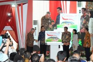 Presiden Jokowi saat membuka Pameran Indonesia Properti Expo Tahun 2017, di Hall B, Jakarta Convention Center (JCC), Senayan, Jakarta Pusat, Jumat (11/8). (Foto: Humas/Oji)