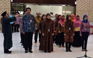 Para pejabat Eselon III dan IV di lingkungan Sekretariat Kabinet di Aula Serbaguna Gedung III Kemensetneg, Jakarta, Rabu (30/8). (Foto: Humas/Rahmat).