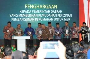 Presiden Jokowi saat menghadiri Pameran Indonesia Properti Expo Tahun 2017, di Hall B, Jakarta Convention Center (JCC), Senayan, Jakarta Pusat, pada Jumat (11/8). (Foto: Humas/Oji)