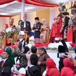 Presiden Jokowi saat acara penurunan bendara dalam rangkaian Peringatan Kemerdekaan Republik Indonesia, di halaman Istana Merdeka, Jakarta, Kamis (17/8) sore. (Foto: BPMI)