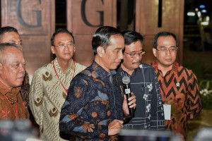 Presiden Jokowi saat meresmikan beroperasinya Simpang Susun Semanggi, di kawasan Semanggi, Jakarta, Kamis (17/8) petang. (Foto: Humas/Anggun)