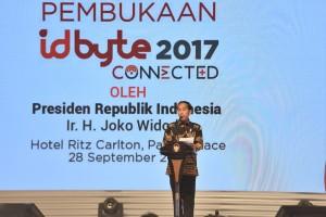 Presiden Jokowi memberikan sambutan pada pembukaan Indonesia Digital Byte 2017, di Ritz Carlton Hotel, Pasific Place, Jakarta, Kamis (28/9) pagi. (Foto: JAY/Humas)