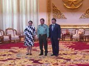 Menlu bertemu Panglima Angkatan Bersenjata Myanmar, Senin (4/9).