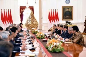 Presiden Jokowi saat menerima Asosiasi Jepang-Indonesia (Japinda) di Istana Merdeka, Jakarta, Jumat (27/10). (Foto: Humas/Oji)