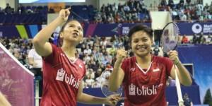 Ekspresi kegembiraan pasangan Greysia/Apriani usai memenangkan partai final bulutangkis ganda putri dalam turnamen Paris Terbuka 2017, di Paris, Minggu (29/10) malam. (Foto: IST)