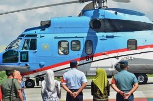 Presiden Jokowi dengan menggunakan helikopter meninggalkan Tarakan untuk melanjutkan kunjungan kerja ke Tanjungselor, Kab. Bulungan, Kaltara, Jumat (6/10) pagi. (Foto: OJI/Humas)