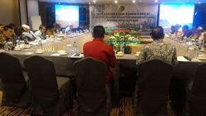 Wakil Ketua Komisi II DPR RI sedang memimpin kunker bertemu dengan Kanwil BPN Provinsi Kepri, di i Hotel Baloi, Kota Batam, Senin (30/10) pagi. (Foto: Edi N/Humas)