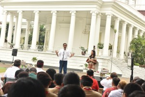 President Jokowi in Bogor Presidential Palace to commemorate Youth Pledge on Saturday (28/10). (Photo by: Public Relations Division/Fitri).