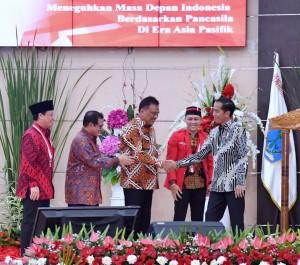 Presiden saat menghadiri acara GMNI, Rabu (15/11), di Graha Gubernuran, Kota Manado, Provinsi Sulawesi Utara. (Foto: BPMI)