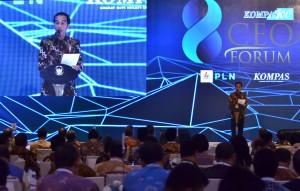 Presiden Jokowi memberikan sambutan pada Pembukaan Kompas 100 CEO Forum, yang diselenggarakan di Hotel Raffles, Kuningan, Jakarta, Rabu (29/11). (Foto: Humas/Jay)