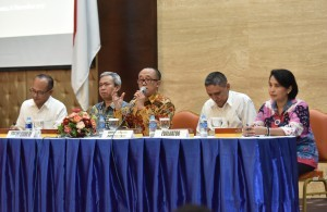 Deputy Cabinet Secretary for the Administrative Affairs, Farid Utomo, gives a speech at the entry meeting of Evaluation of SAKIP and RB of the Cabinet Secretariat, in Building III, Ministry of State Secretariat, Monday (6/11) morning. (Photo: JAY/PR)