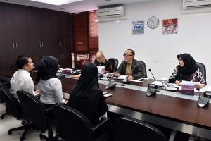 Deputi Bidang Administrasi, Deputi Bidang Polhukam, serta Karo SDM dan Ortala dalam satu sesi tes wawancara di Ruang Rapat Deputi Administrasi, Gedung III Kemensetneg, Jakarta, Senin (13/11). (Foto: Humas/Agung)