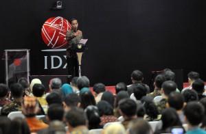 Presiden Jokowi saat memberi arahan pada penutupan Perdagangan Bursa Efek Indonesia Tahun 2017, di Main Hall Gedung Bursa Efek Indonesia (BEI), Jakarta, Jumat (29/12) sore. (Foto: Humas/Jay)
