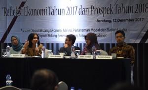 Deputi Seskab Bidang Perekonomian turut hadir dalam acara FGD yang digelar di di Hotel Aston Pasteur, Bandung, Jawa Barat, Selasa (12/12). (Foto: Humas/Nia)